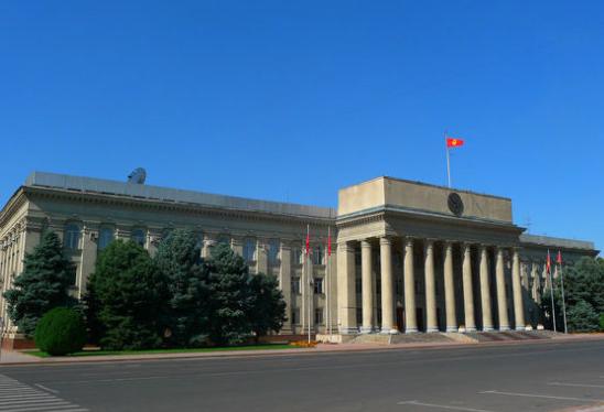 吉爾吉斯斯坦首都比什凱克主干道修復完成